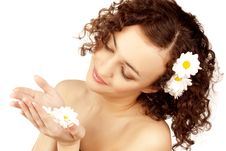 Free Beautiful Woman With Camomile Flower Royalty Free Stock Image - 13630896