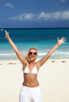 Free Beautiful Woman Enjoying The Beach Royalty Free Stock Images - 13631969