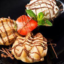 Free Dessert - Custard Pastry Royalty Free Stock Photo - 13634045