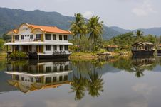 Free Tropical Hotel Stock Photos - 13634853