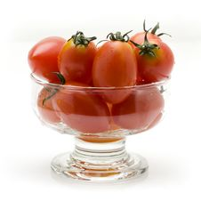 Free Cherry Tomatoes In Glass Bowl Royalty Free Stock Photos - 13636668