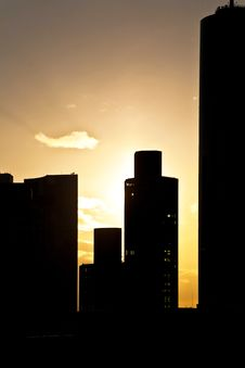 Free View Over Frankfurt, Silhouettes Of Sky Scrapers Stock Photo - 13637280