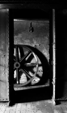 Free Old Heavy Cog Wheel Stock Photo - 13646760