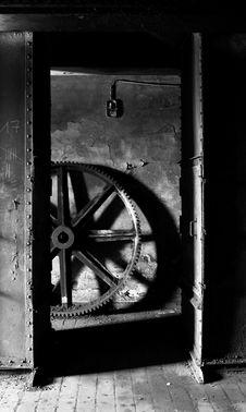 Free Old Heavy Cog Wheel Stock Photo - 13646760