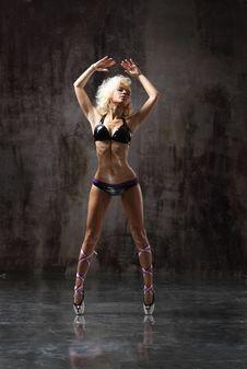 Free Dancer Royalty Free Stock Image - 13647276