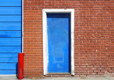 Free White Urban Door Royalty Free Stock Photo - 13649585
