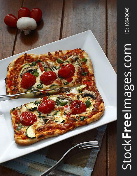 Cutted vegetarian pizza