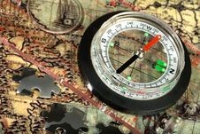 Free Compass On The Old Map Stock Photos - 13652893