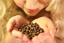 Free In Hands Coffee Beans Royalty Free Stock Image - 13658996
