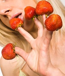 Free Strawberries Picked On Fingertips Stock Photo - 13659240