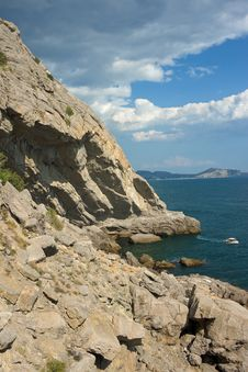 Free Cliff Over Sea Stock Photography - 13659782