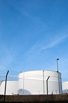 Free White Tanks In Tank Farm With Blue Sky Royalty Free Stock Photos - 13666528