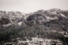 Free Mountain With Snow Royalty Free Stock Image - 13668846