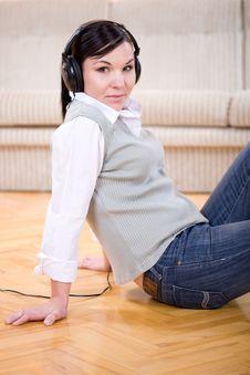 Free Listening Music Royalty Free Stock Photo - 13671345