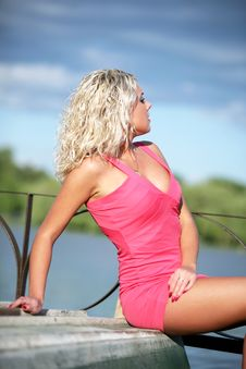 Free The Young Woman In Pink Clothes. Royalty Free Stock Photos - 13671478