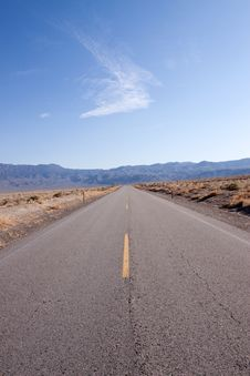 Free Desert Road Royalty Free Stock Photos - 13672968