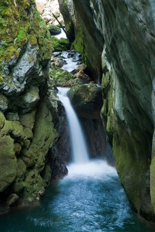 Free Waterfall Royalty Free Stock Photography - 13673057