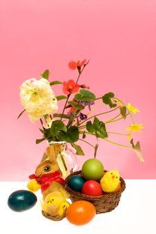 Free Still Life With Easter Eggs And Flowers Royalty Free Stock Photos - 13675518