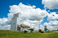 Free Old Grain Elevator 3 Stock Photography - 13677322