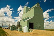 Free Wrentham Grain Elevator 1 Royalty Free Stock Photo - 13677325