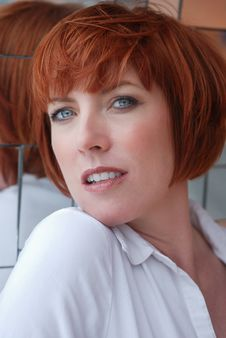 Free Red Haired Woman Royalty Free Stock Images - 13685339