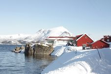 Free Village  On The Fjord Royalty Free Stock Photos - 13691118