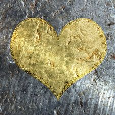 Gold Metallic Grunge Heart Royalty Free Stock Photography