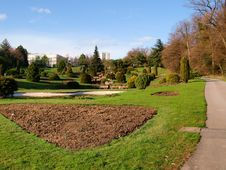 Free Park Vallee De La Jeunesse, Lausanne Stock Photo - 13692500