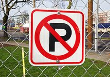 Free No Parking Sign Royalty Free Stock Photography - 13692737