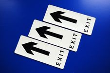 Free Exit Arrow Royalty Free Stock Photos - 13693648