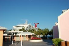 Free Ship In Port Of Grand Turk Royalty Free Stock Photography - 13695597