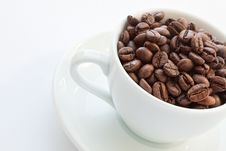 Free Coffee Cup With Coffee Beans Royalty Free Stock Photography - 13698247
