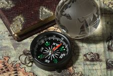 Free Compass On The Old Map Royalty Free Stock Photography - 13699547