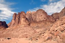 Free Wadi Rum Rockscape Royalty Free Stock Images - 13699809