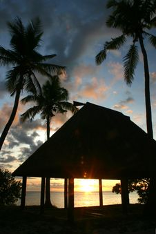 Free Pacific Hut Sunset Royalty Free Stock Photo - 1371505