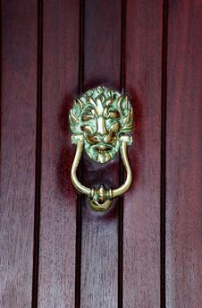 Free Medieval Bronze Door Knocker Royalty Free Stock Photo - 1375725