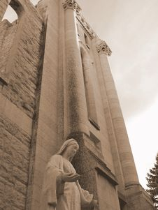 Free Mother Mary At St. Boniface Cathedral Royalty Free Stock Photography - 1375817