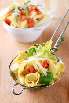Free Tortellini And Penne Pasta Royalty Free Stock Photography - 13702077