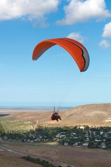 Free Tandem Paragliding Royalty Free Stock Photography - 13703027