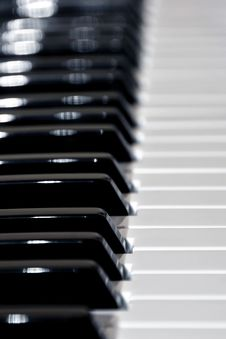 Free Piano Keys Stock Photography - 13703092