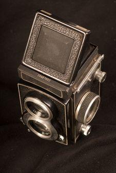 Free Old Camera Royalty Free Stock Photos - 13704098
