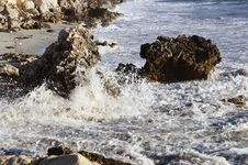 Free Large Ocean Waves Royalty Free Stock Photos - 13704638