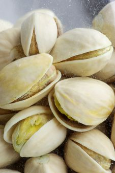 Free Pistachios Royalty Free Stock Image - 13704926