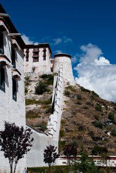 Free External Walls Of The Potala Palace Royalty Free Stock Photo - 13708755