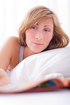 Free Bed Woman Stock Image - 13710551
