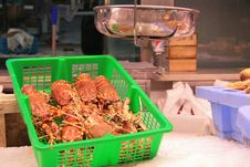 Free Crabs On The Scales Royalty Free Stock Photo - 13711235