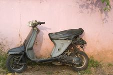 Free Old Scooter In Panaji, Goa, India. Royalty Free Stock Photos - 13712068