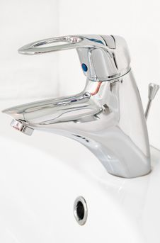 Free Chrome Faucet Stock Photos - 13713983