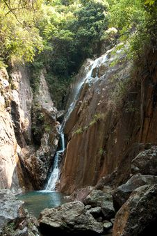 Free Peaceful Waterfall Royalty Free Stock Photo - 13714965