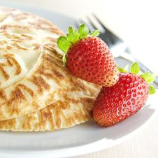 Free Pancakes With Strawberry Royalty Free Stock Image - 13715556